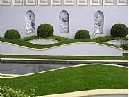 קירות גן המעוצבים מפסולת בניין